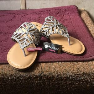 ☀️Chatties Memory Foam Rhinestone Sandals